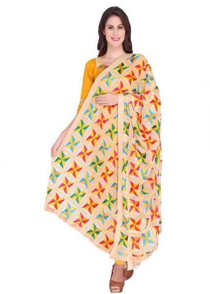 how-to-style-phulkari-dupatta